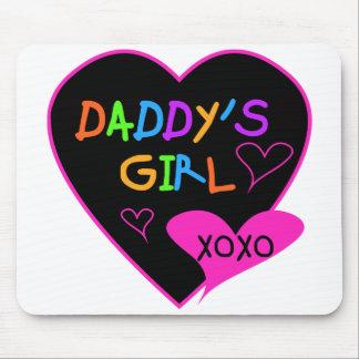 Camisetas y regalos del chica del papá del corazón tapete de ratón
