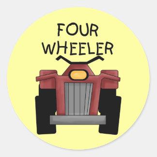 Camisetas y regalos del coche de cuatro ruedas etiqueta redonda
