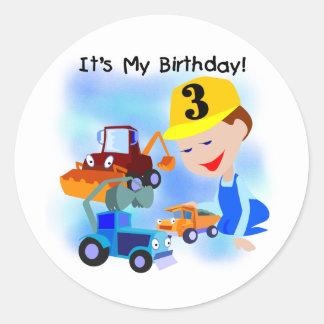 Camisetas y regalos del cumpleaños de la etiquetas redondas