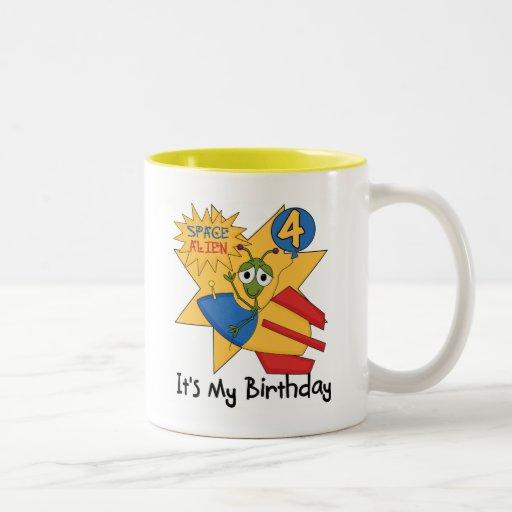 Camisetas y regalos del cumpleaños del extranjero taza de café de dos colores