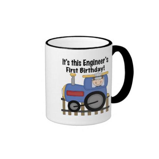 Camisetas y regalos del cumpleaños del ingeniero d taza a dos colores