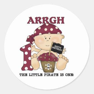 Camisetas y regalos del cumpleaños del pirata del etiquetas redondas
