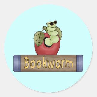 Camisetas y regalos del gusano de libro pegatina redonda