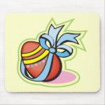 Camisetas y regalos del huevo de Pascua Tapetes De Raton