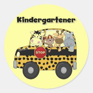 Camisetas y regalos del Kindergartener del autobús Pegatina Redonda