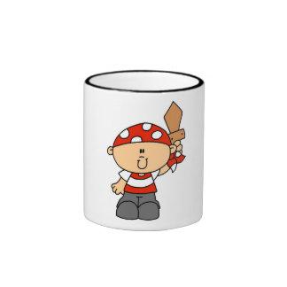 Camisetas y regalos del muchacho del pirata taza de dos colores