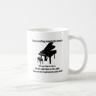 Camisetas y regalos del músico del pianista taza clásica