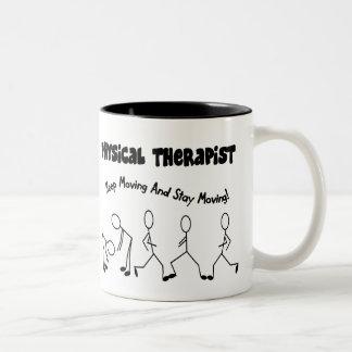 Camisetas y regalos del terapeuta físico taza de café de dos colores