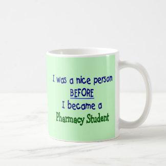 Camisetas y regalos divertidos del estudiante de taza clásica