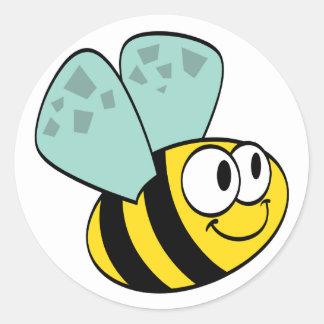 Camisetas y regalos felices amarillos de la abeja pegatina redonda