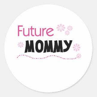 Camisetas y regalos futuros de la mamá pegatina redonda