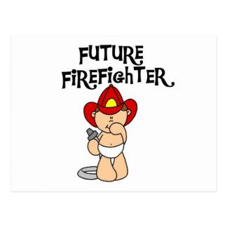 Camisetas y regalos futuros del bombero del bebé tarjeta postal