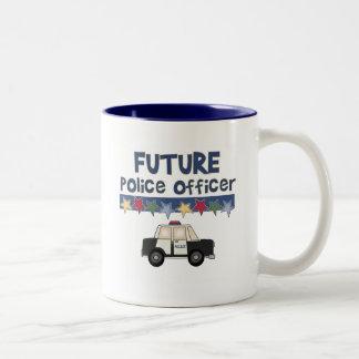 Camisetas y regalos futuros del oficial de policía taza dos tonos