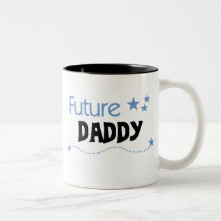 Camisetas y regalos futuros del papá taza de café de dos colores