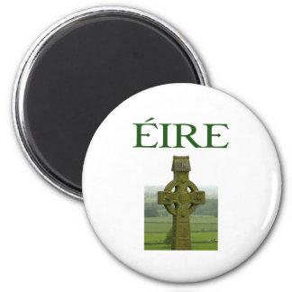 Camisetas y regalos irlandeses de Eire de la cruz  Imán Redondo 5 Cm