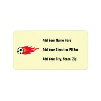 Camisetas y regalos llameantes del balón de fútbol etiquetas de dirección