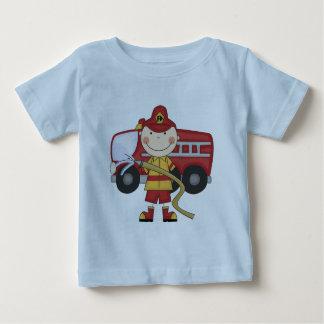 Camisetas y regalos masculinos del bombero poleras