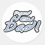 Camisetas y regalos orgullosos del papá del texto pegatina redonda