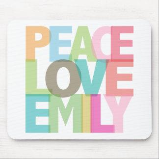 Camisetas y regalos personalizados Emily del amor  Mouse Pads