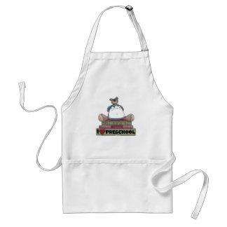 Camisetas y regalos preescolares del amor del oso  delantales