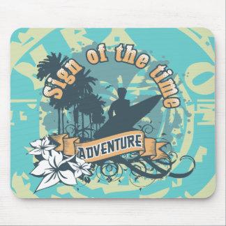 Camisetas y regalos que practican surf de la avent alfombrilla de ratón
