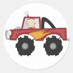 Camisetas y regalos rojos del monster truck etiqueta redonda