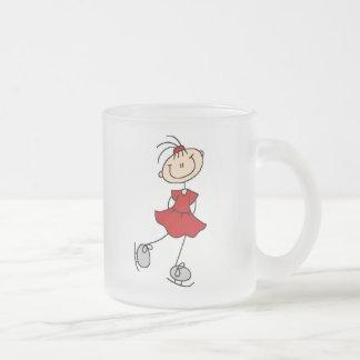 Camisetas y regalos rojos del patinador de hielo taza cristal mate