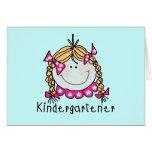 Camisetas y regalos rubios del Kindergartener del  Felicitacion