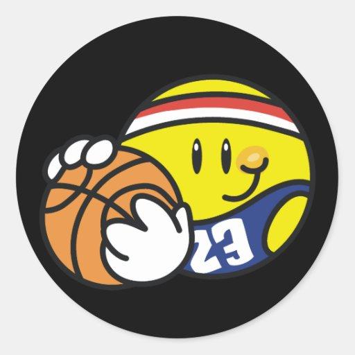 Camisetas y regalos sonrientes del baloncesto pegatina redonda