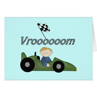Camisetas y regalos verdes del coche de carreras V Felicitación