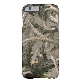Camo del cráneo de los ciervos de la selva virgen funda de iPhone 6 barely there