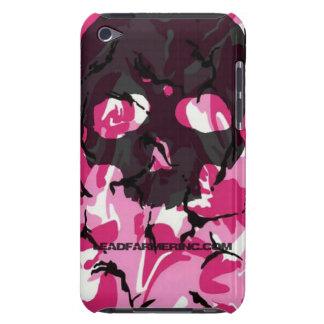 Camo del rosa del cráneo del golpecito del doble barely there iPod protectores