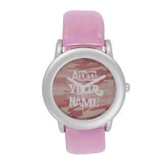 Camo rosado con la correa de cuero del brillo reloj de mano