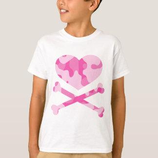 camo rosado del corazón y de la bandera pirata playera