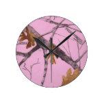 Camo rosado reloj de pared
