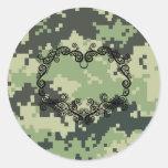 Camo Twining Heart Round Stickers