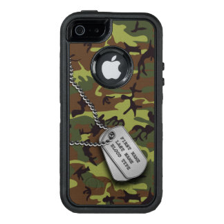 Camo verde con la placa de identificación funda OtterBox defender para iPhone 5