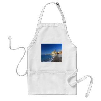 Camogli, playa e iglesia delantal