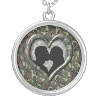 Camouflage Heart with Kissing Couple Silver Plated Necklace