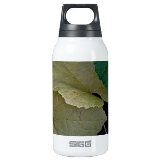 CAMOUFLAGE WITH LEAVES IN EARLY FALL INSULATED WATER BOTTLE