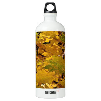 CAMOUFLAGE WITH LEAVES IN LATE FALL ALUMINUM WATER BOTTLE