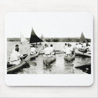 Campamento de verano para hombre joven 1925 tapete de raton