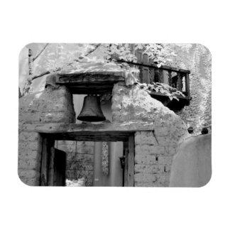 Campana áspera del adobe en la entrada, Santa Fe,  Imanes Rectangulares