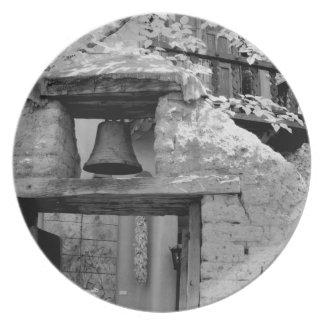 Campana áspera del adobe en la entrada Santa Fe Plato De Comida