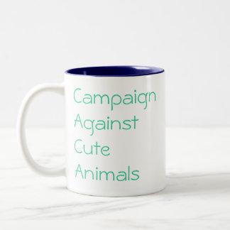 Campaña contra animales lindos, protección taza de dos tonos