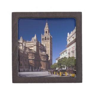 Campanario y catedral, Madrid, España de Giralda Caja De Recuerdo De Calidad