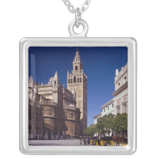 Campanario y catedral, Madrid, España de Giralda Colgantes Personalizados