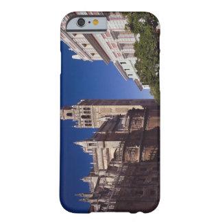 Campanario y catedral, Madrid, España de Giralda Funda De iPhone 6 Barely There