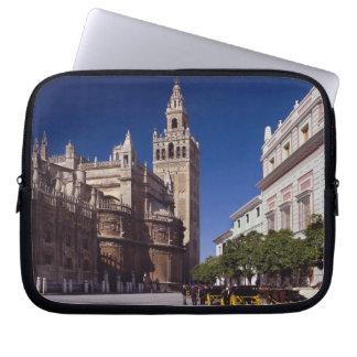 Campanario y catedral, Madrid, España de Giralda Funda Portátil