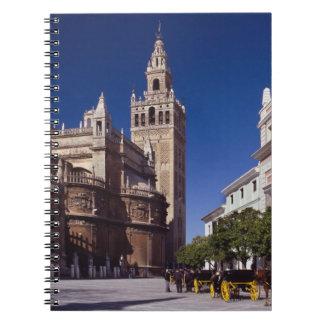 Campanario y catedral, Madrid, España de Giralda Libro De Apuntes Con Espiral